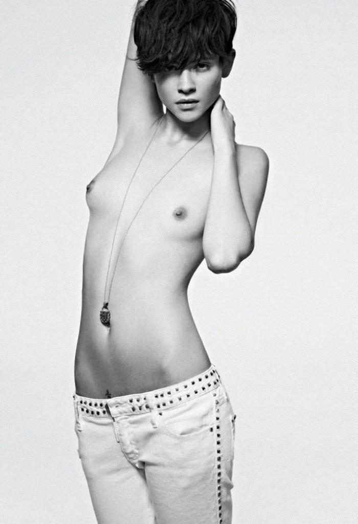Alba Galocha Modelo Española Topless 2