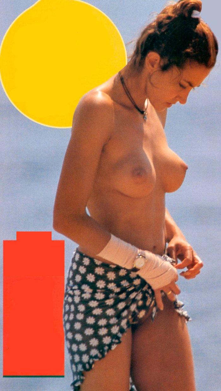 Elsa Anka Pillada Fotos Topless Playa
