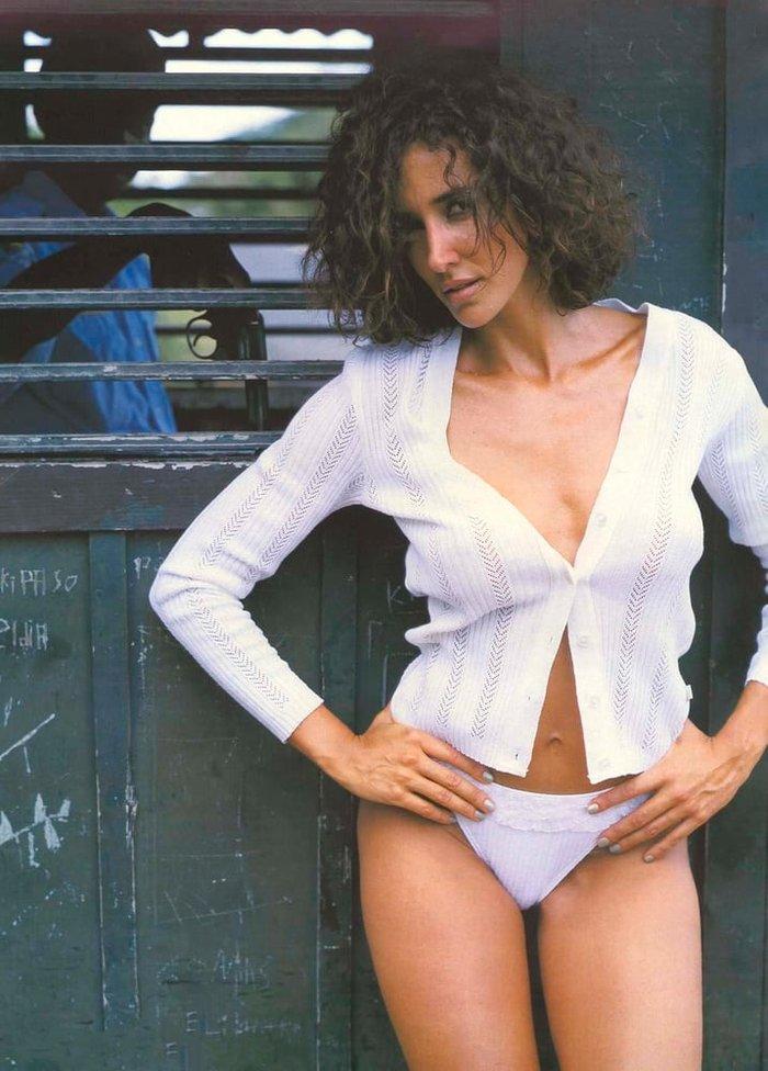 Elsa Anka Sesión Fotográfica Erótica Bikini 4