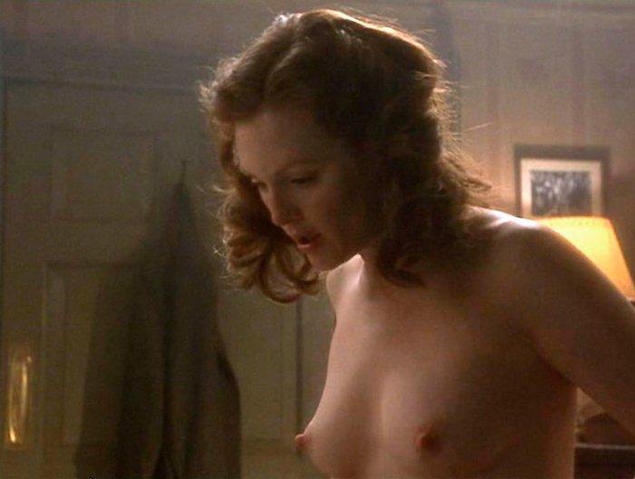 Julianne Moore Enseña Tetas Fin Romance