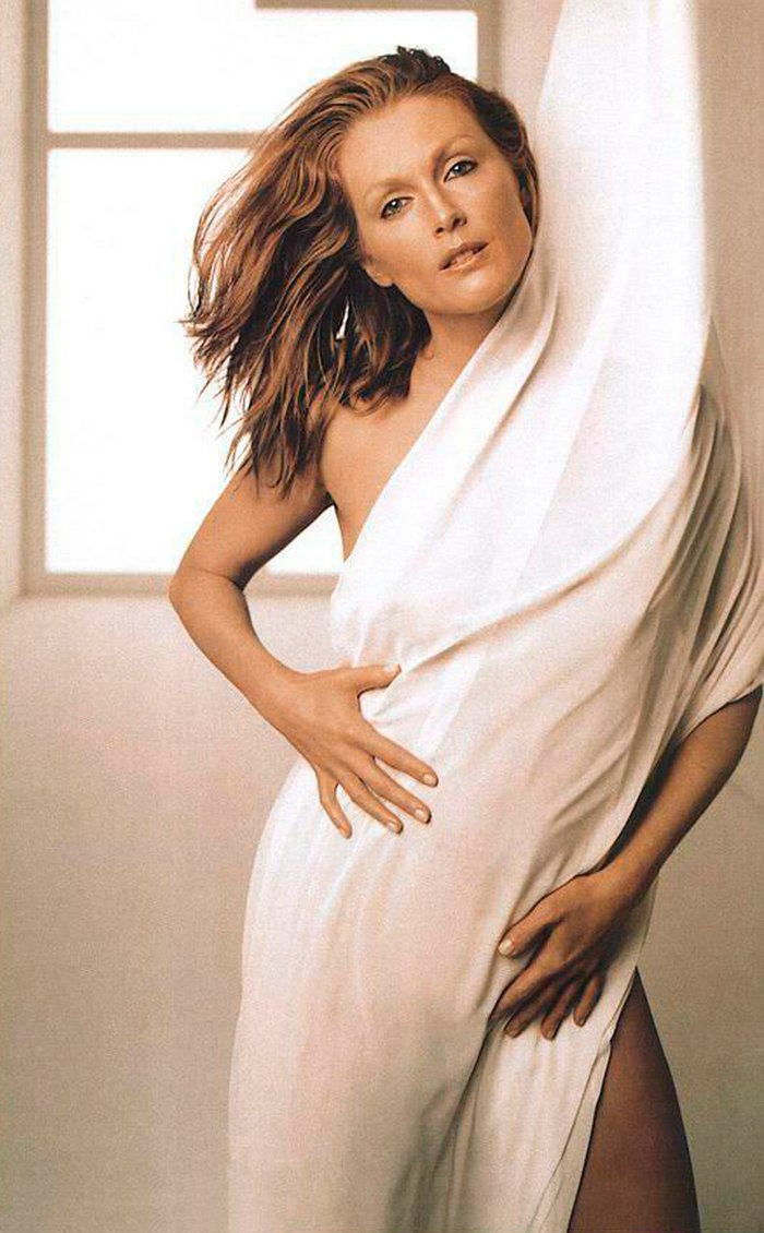 Julianne Moore Posado Erótico Lencería 4