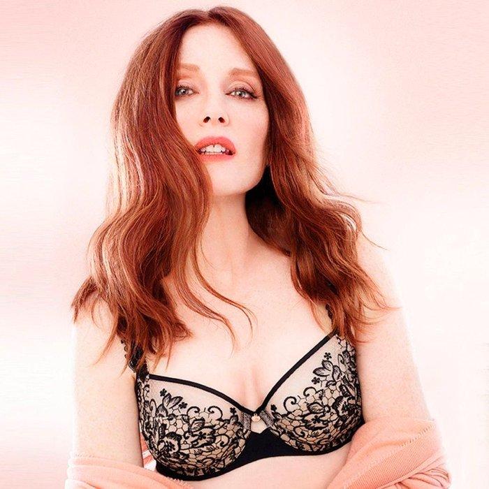 Julianne Moore Posado Erótico Lencería 6