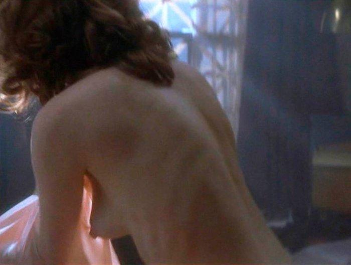 Julianne Moore Topless Fin Romance