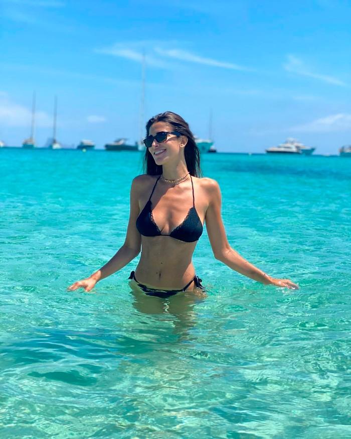 Lidia Torrent Fotos Bikini Playa 4