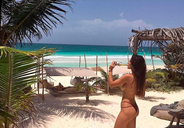 Lidia Torrent Posado Bañador Playa 9