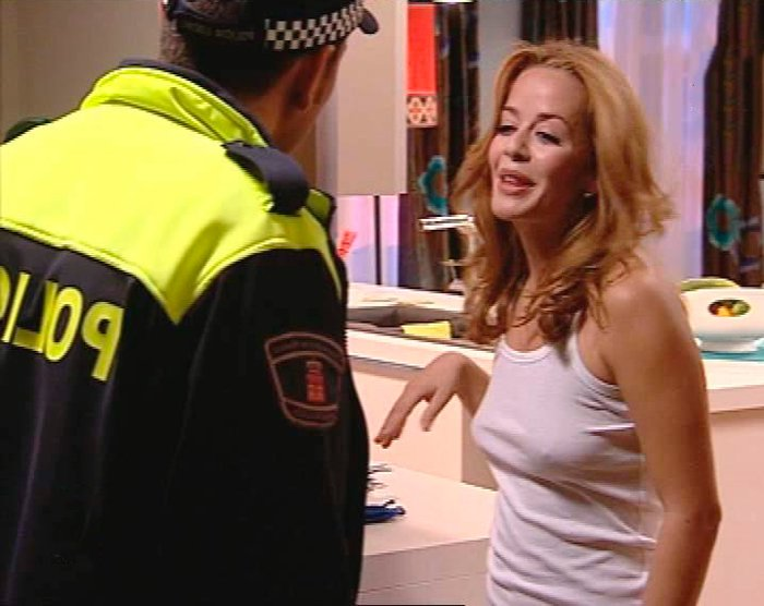 María Adánez Camiseta Marca Pezones Serie Maitena La Sexta