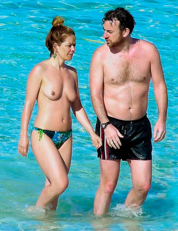 María Adánez Pillada Playa Desnuda Marido David Murphy 4