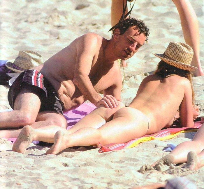 María Adánez Pillada Playa Desnuda Marido David Murphy 5