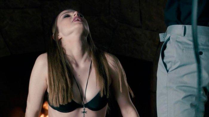 Carla Nieto Serie Angel Demonio Iris Sexy Ropa Interior 2