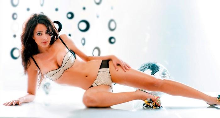 Carmen Alcayde Desnuda Posado Erótico Fhm