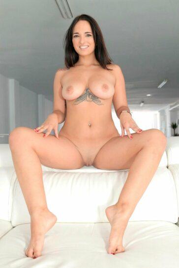 Claudia Bavel Reingresa Porno Español