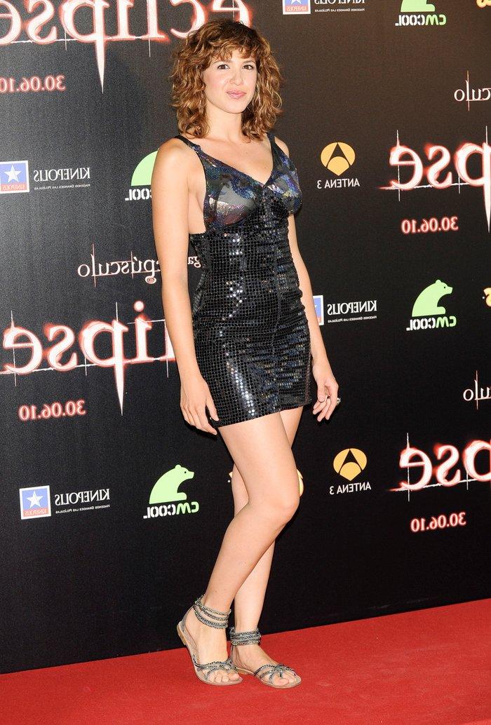 Daniela Costa Posando Estreno Cine