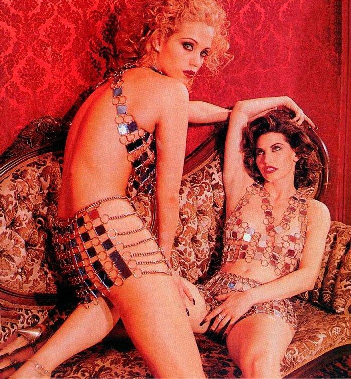 Elizabeth Berkley Posado Erótico Gina Gershon