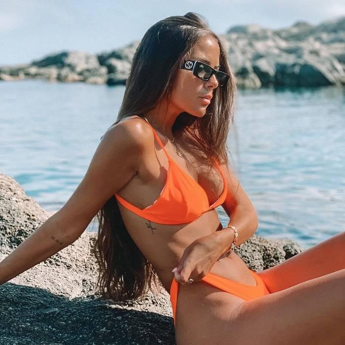 Melyssa Pinto Bikini Naranja Provocativo