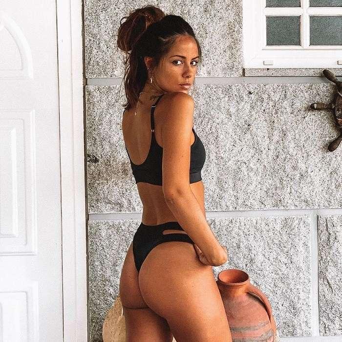 Melyssa Pinto Posado Sexy Bikini