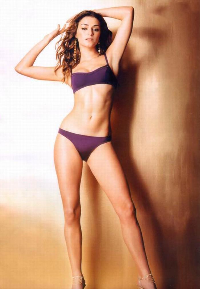 Olivia Molina Posado Bikini Revista 2
