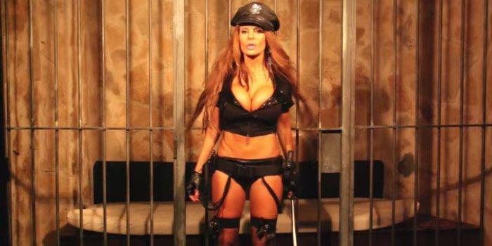 Sonia Monroy Lencería Sexy Policía