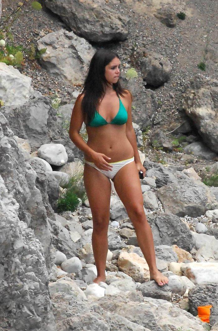 Elena Furiase Fotos Semidesnuda Bañador Playa 8