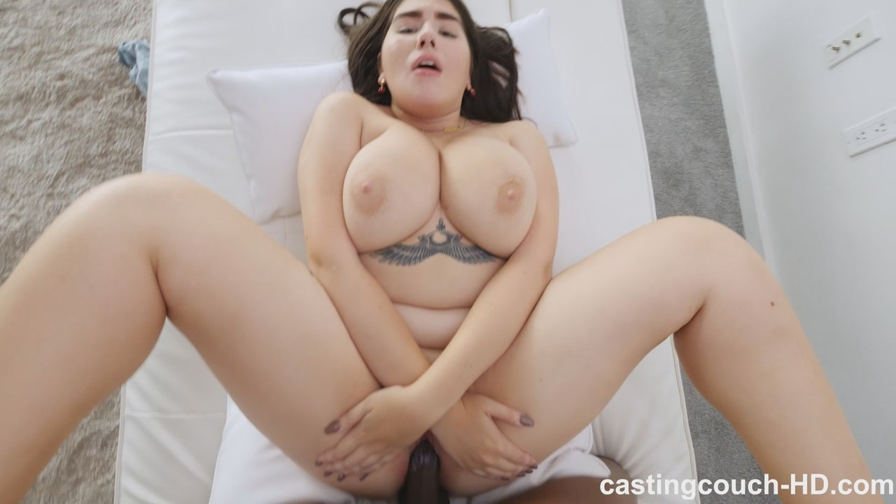 Leila Casting Couch Hd 04