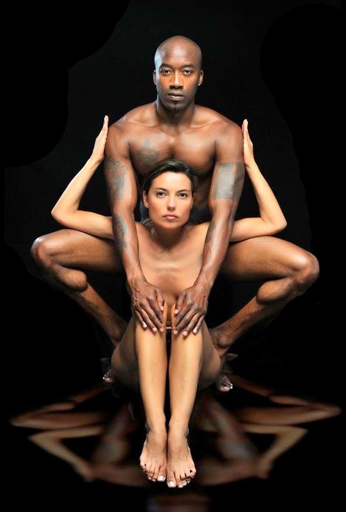 Mari Cielo Pajares Desnuda Junto Novio Negro Sesión Fotográfica
