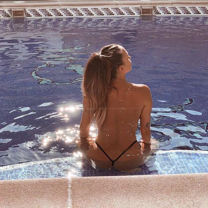 Samira Jalil Topless Piscina Fotos Erótias