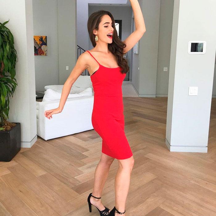 Alicia Sanz Vestido Rojo Espectacular