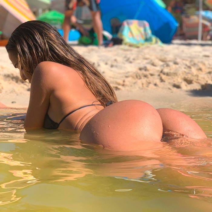 Cristina Gilabert Enseña Culo Playa