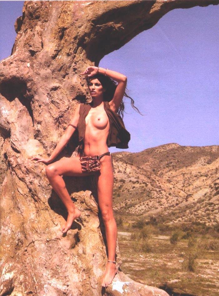 Laura Sánchez Topless Revista Moda