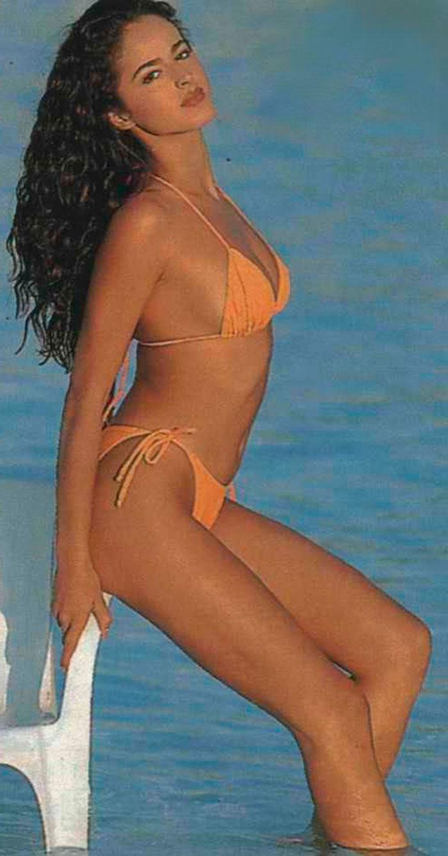 Mónica Estarreado Bikini Erótico Pequeño