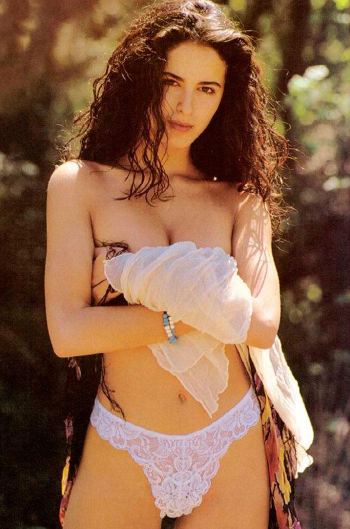 Mónica Estarreado Desnuda Topless 3