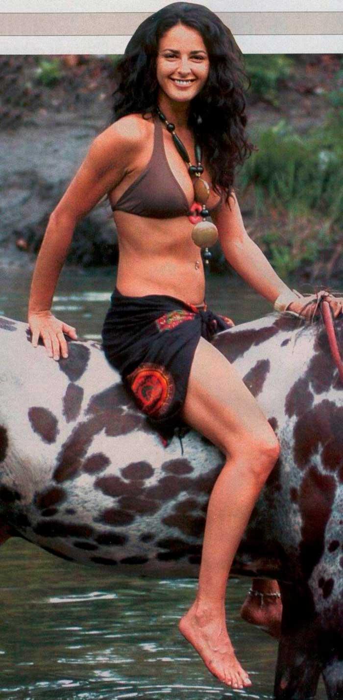 Mónica Estarreado Fotos Bikini Provocativa 2