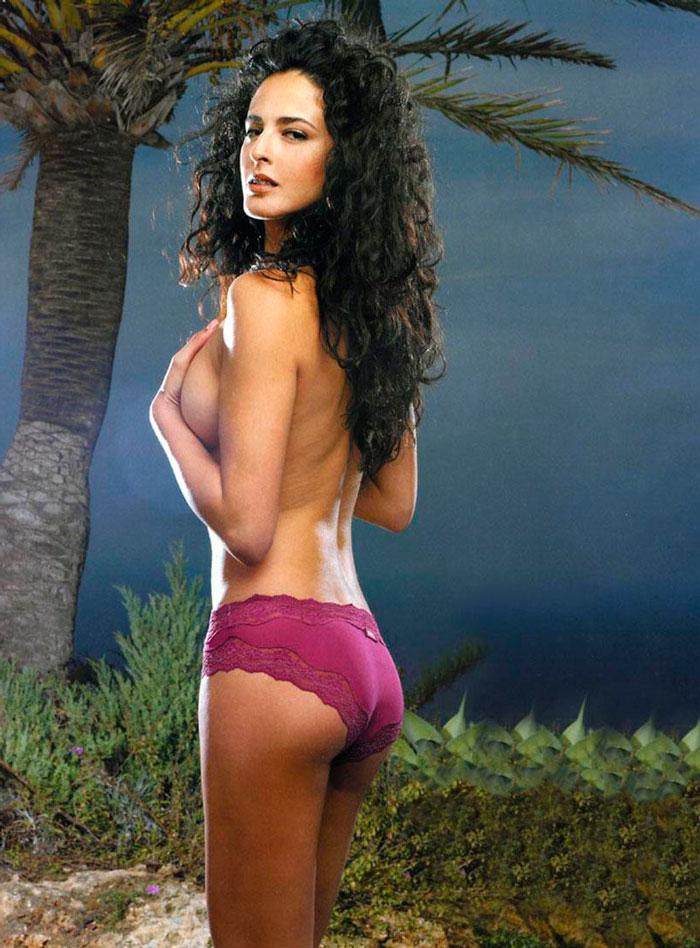 Mónica Estarreado Lencería Erótica Revista Moda 2