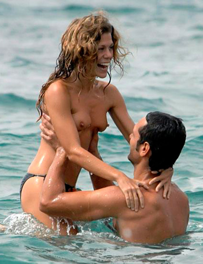 Rebeca Valls Desnuda Topless Novio Paparazzi