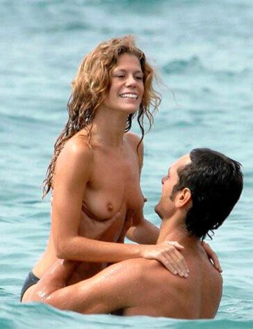 Rebeca Valls Pillada Topless Novio Paparazzi