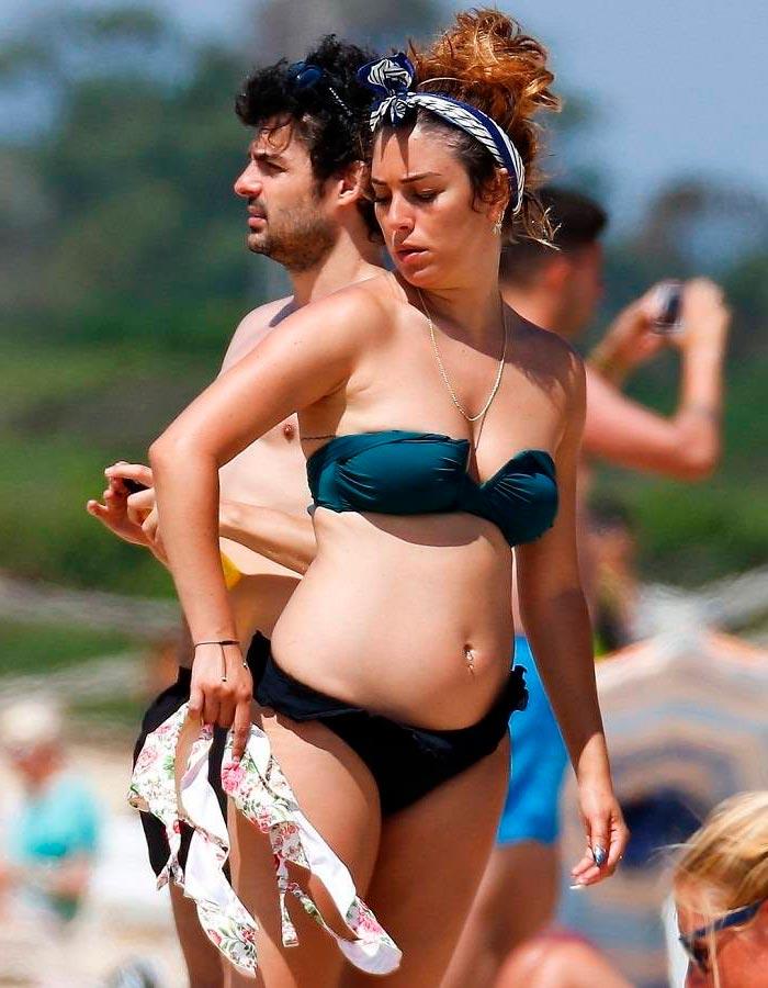 Blanca Suárez Bikini Playa Vacaciones Verano