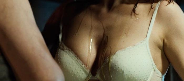 Blanca Suárez Semidesnuda Película El Bar