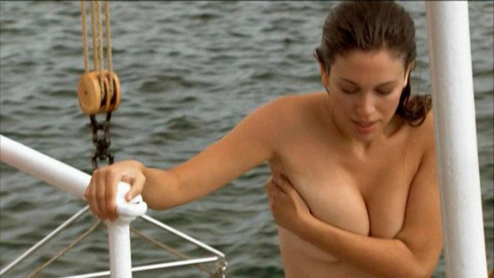 Blanca Suárez Topless Serie El Barco