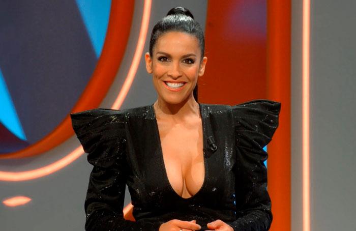 Lorena Castell Tetas Impresionantes Vestido Provocador
