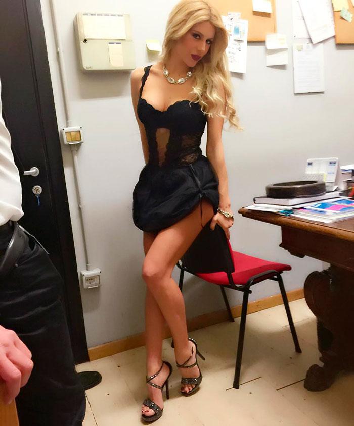 Paola Caruso Chica Italiana Físico Espectacular