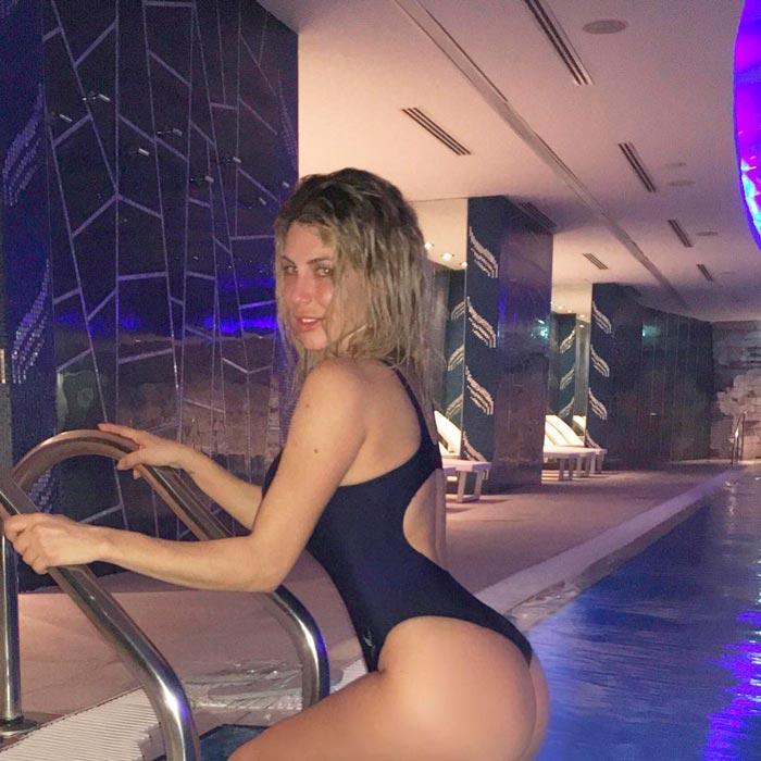 Paola Caruso Fotos Traje Baño Sexy