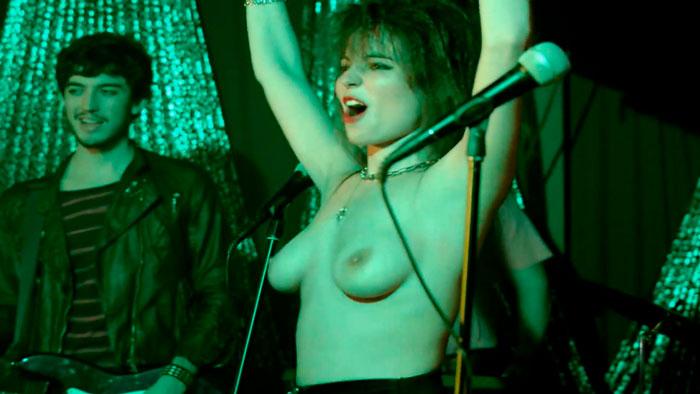 Veronica Echegui Topless Cuentame Tve