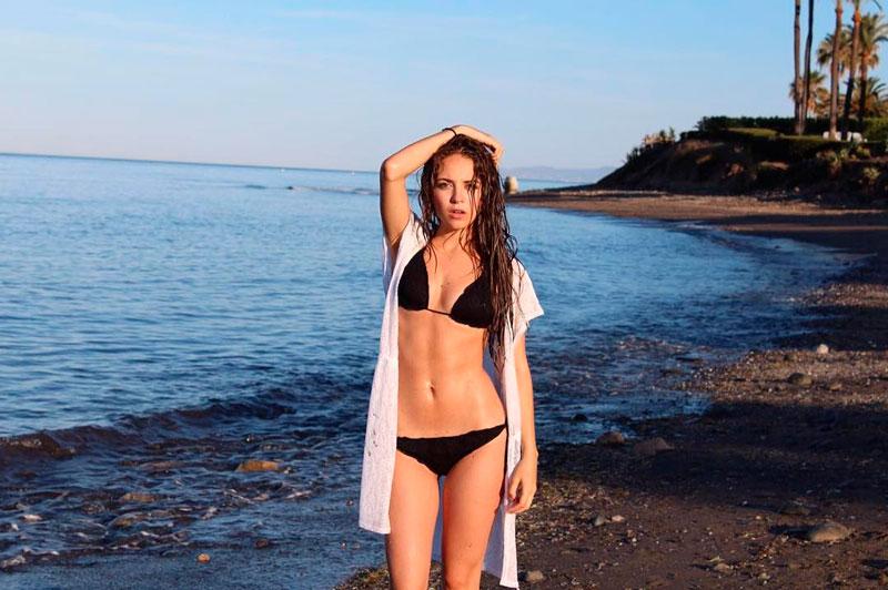 Ana Mena Sesión Fotográgica Bikini Sexy Playa 4