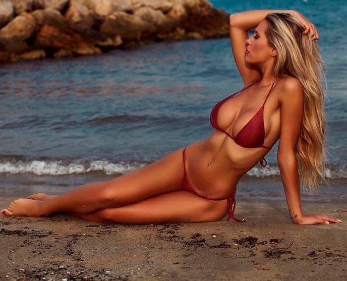 Carla Divinity Fotos Eróticas Bikini Hot Minúsculo