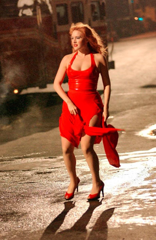 Kate Winslet Vestido Rojo Sexy Provocativa 3