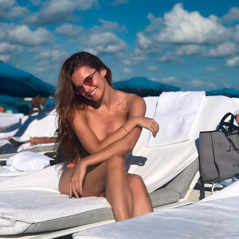Melody Ruíz Desnuda Topless Playa