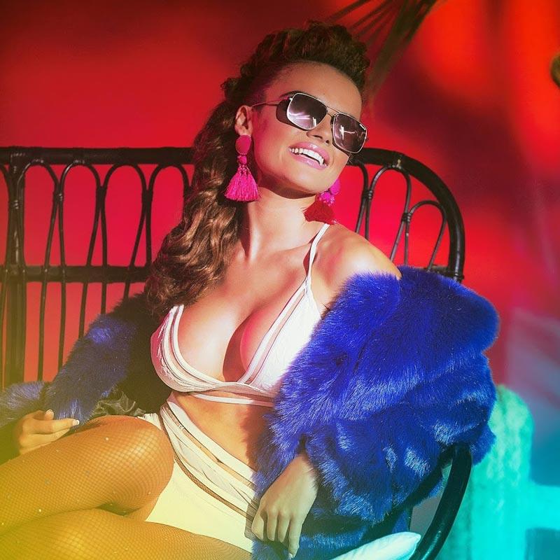 Melody Ruíz Sexy Estrella Pop Española