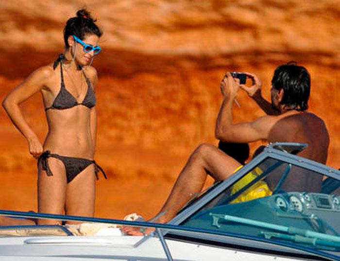 Nuria Roca Fotos Bañador Vacaciones Playa 11