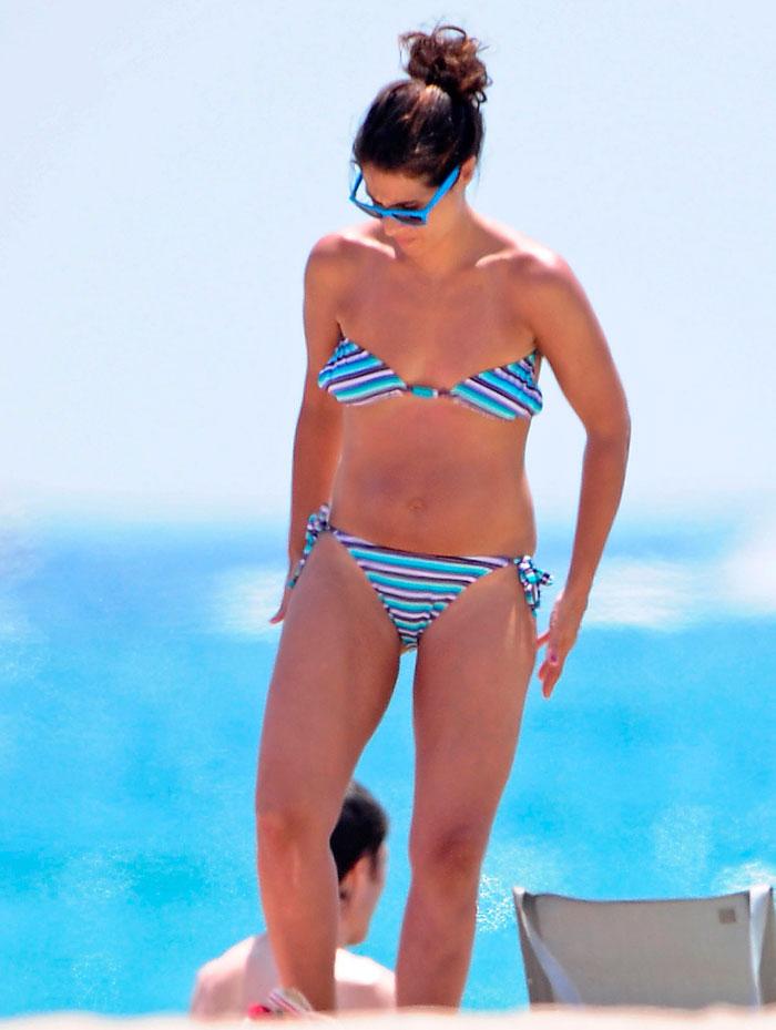 Nuria Roca Presentadora Valenciana Televisión Fotos Bikini 2