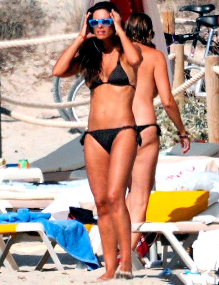 Nuria Roca Presentadora Valenciana Televisión Fotos Bikini 3