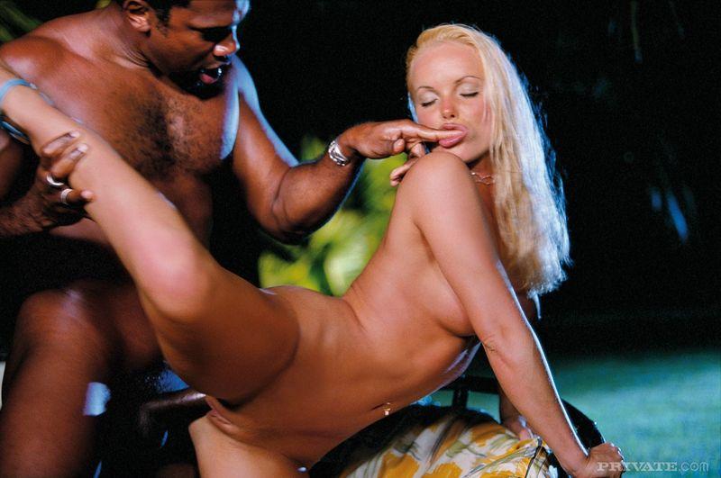 Silvia Saint Mejores Fotos Eróticas 18
